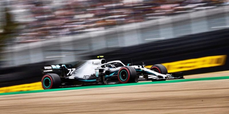 Bottas pokárán za nehodu s Grosjeanem