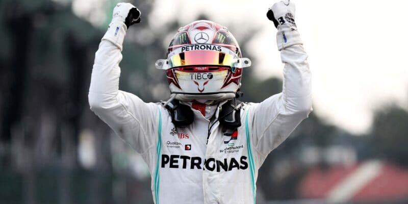 S Vettelem jsme se málem střetli, prozradil Hamilton