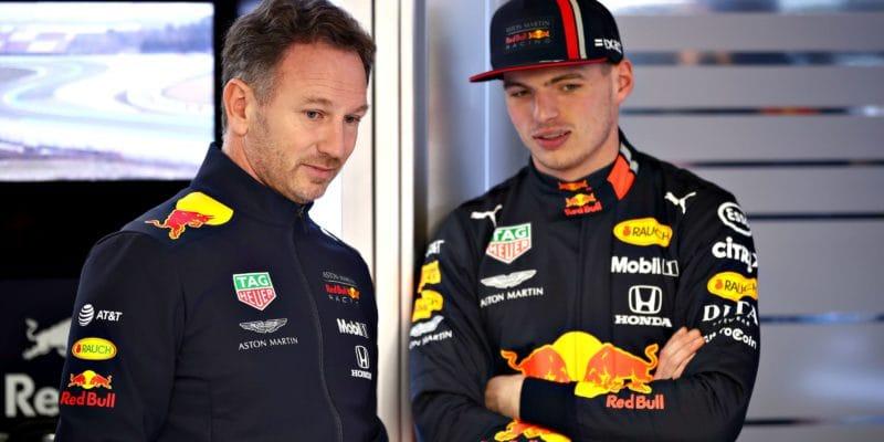 Verstappen nesdílí otcovy pochybnosti, tvrdí Horner