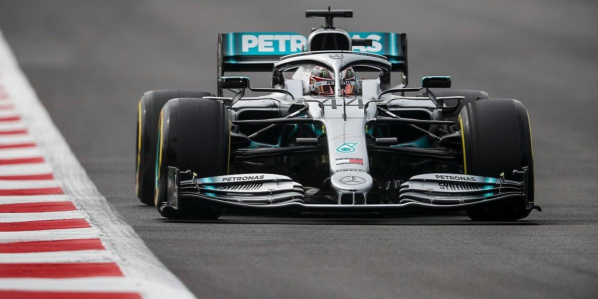 V prvním tréninku v Mexiku byl nejrychlejší Hamilton