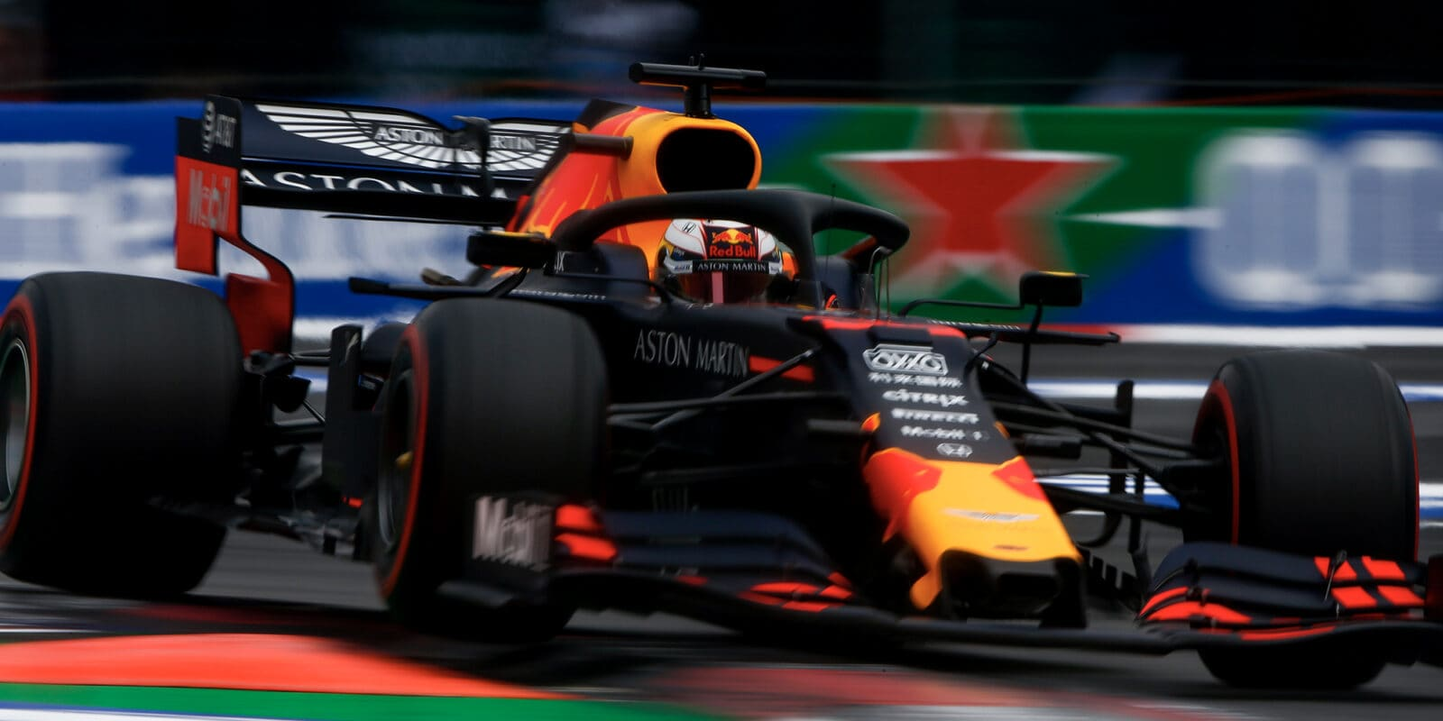 Verstappen: Penalizaci měl dostat i Hamilton