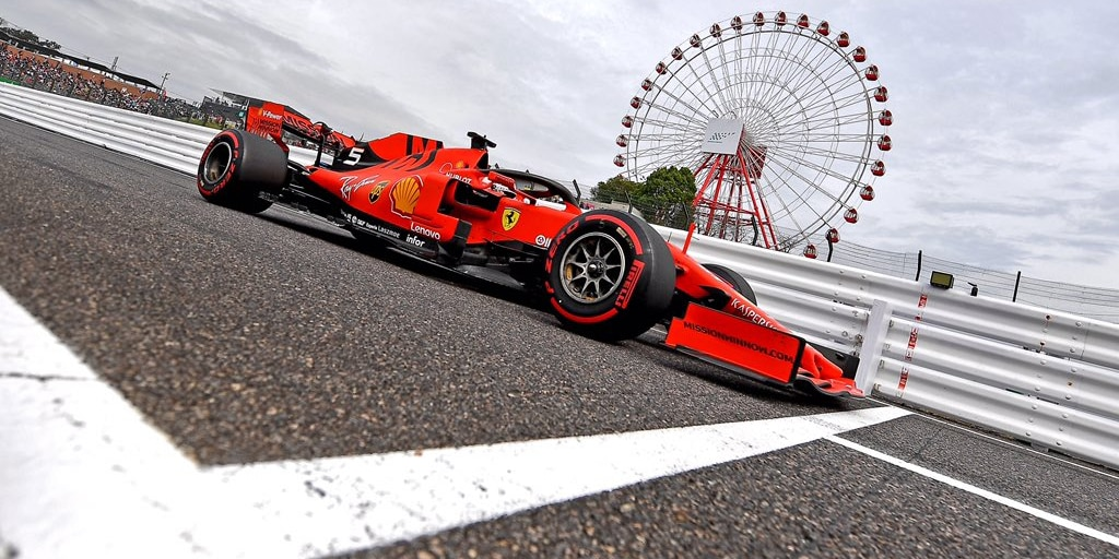 V netradiční nedělní kvalifikaci dominovalo Ferrari