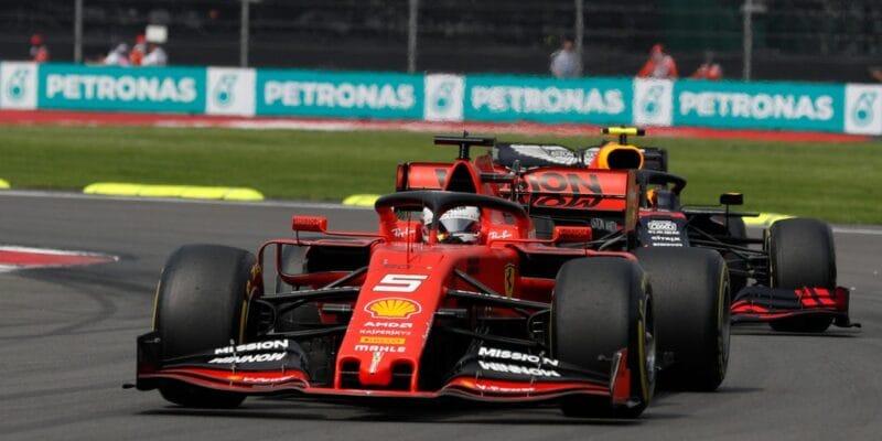 Mercedesu pomohlo štěstí, říká druhý Vettel