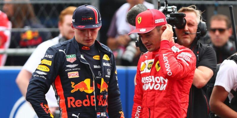 Leclerc seohradil proti Verstappenovi, který seobul do Ferrari