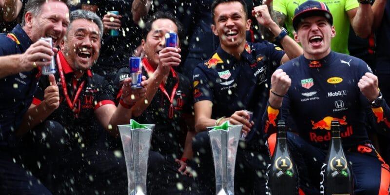 Ricciardo: Poháry by měly vypadat lépe