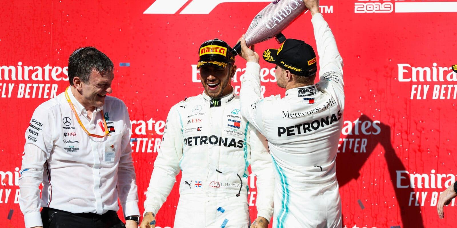"Hamilton řekl, že cítil tlak z ""Bottase 2.0"""