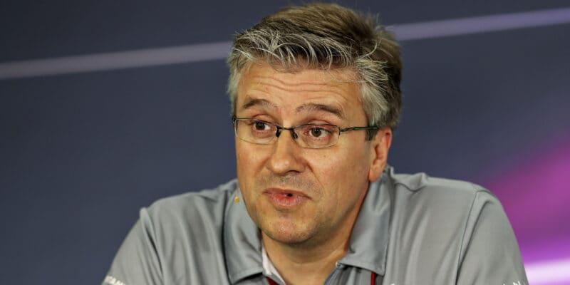 Renault stanovil datum Fryova nástupu