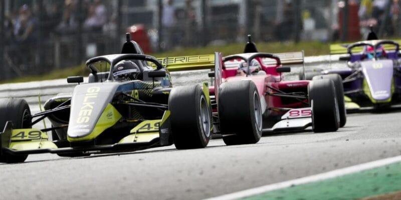 W Series příští rok dvakrát doprovodí Formuli 1