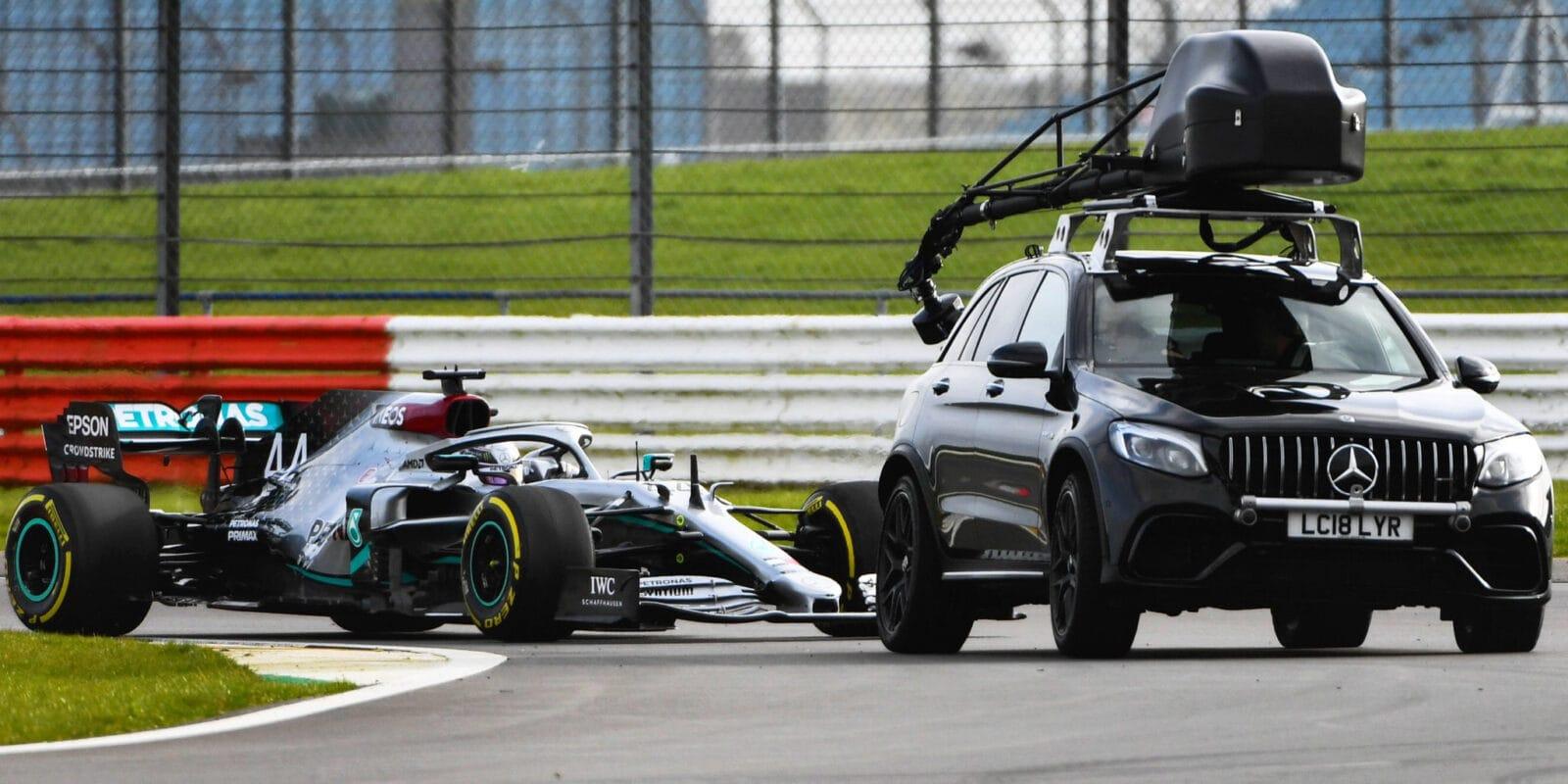 První videa nových monopostů F1 na trati