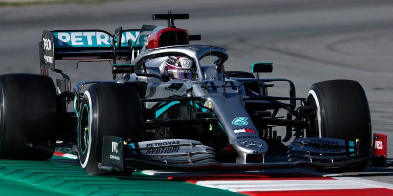 """Hamilton: Mercedes bojuje se """"spoustou problémů"""""""
