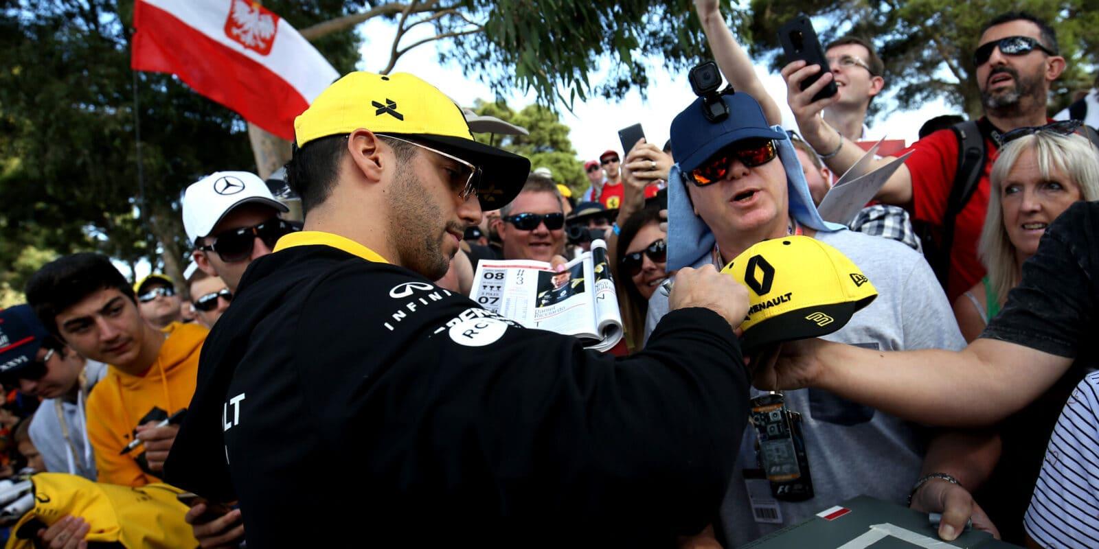 Formule 1 si zahrávala s ohněm, říká Daniel Ricciardo