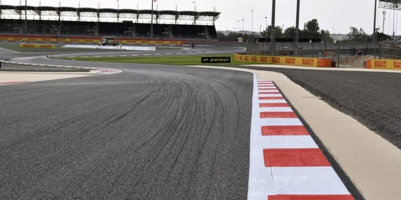 Další měsíc a půl bez F1, Bahrajn i Vietnam odložen