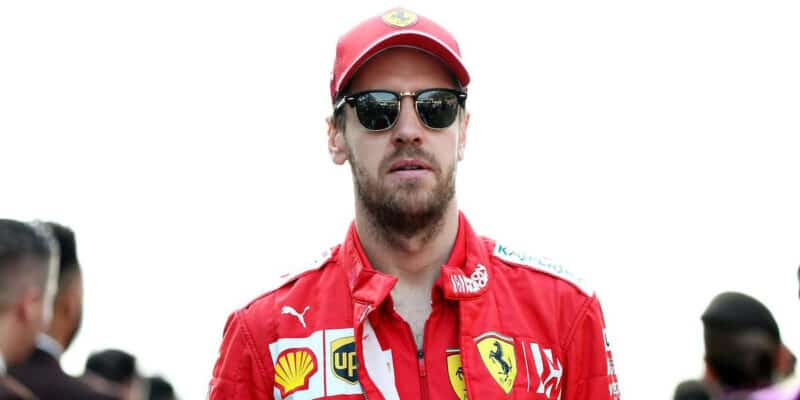 Vettel: Kdyby mi Red Bull nabídl sedačku, beru ji