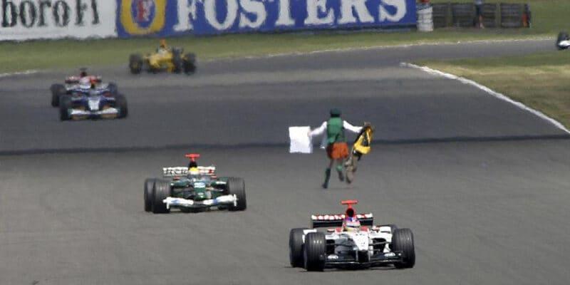 Středeční návrat do historie: GP Velké Británie 2003