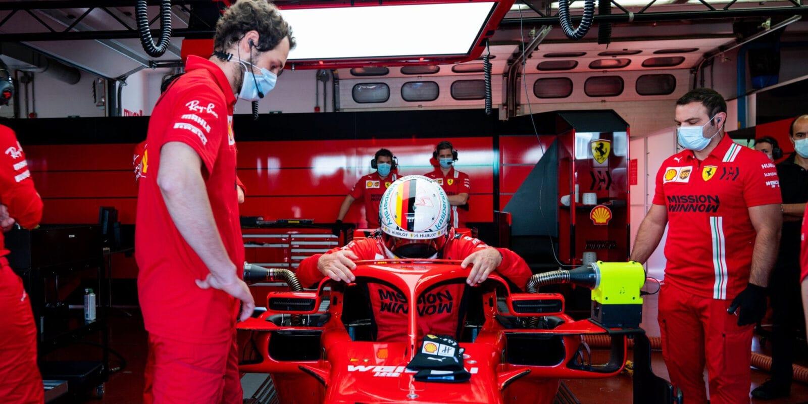 Roušky nás budou omezovat, zní z Ferrari