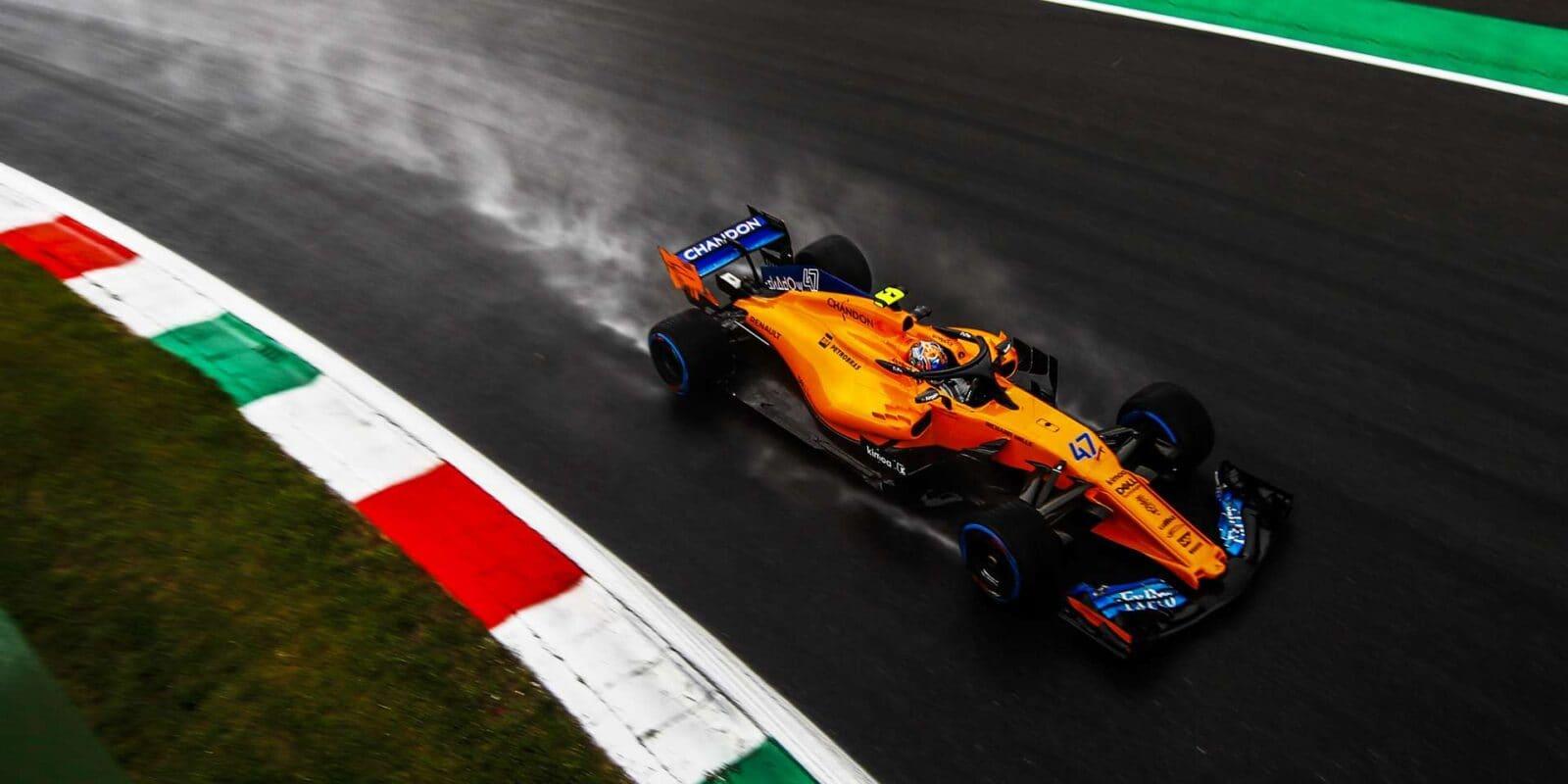 McLaren nemohl kvůli Renaultu před sezónou testovat