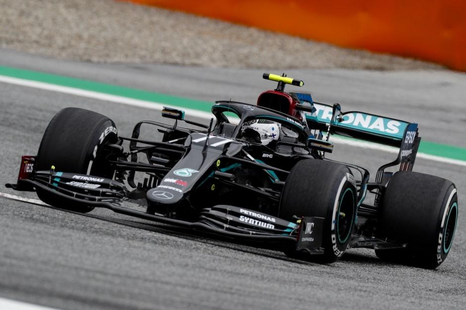 Mercedes si jede vlastní ligu, konstatuje Bottas