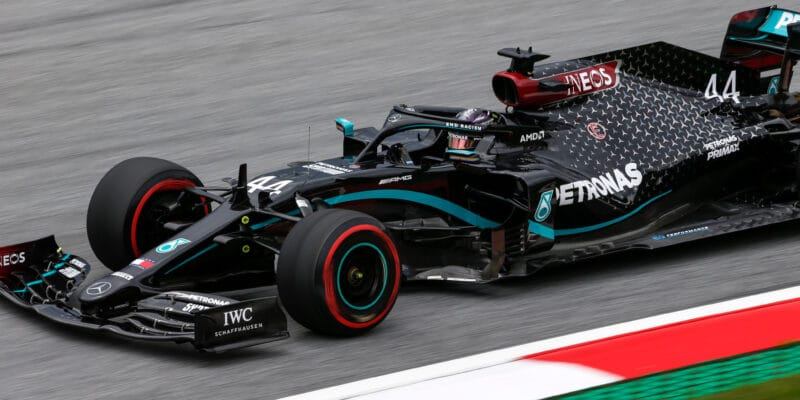 Sobotnímu tréninku opět dominovaly vozy Mercedesu