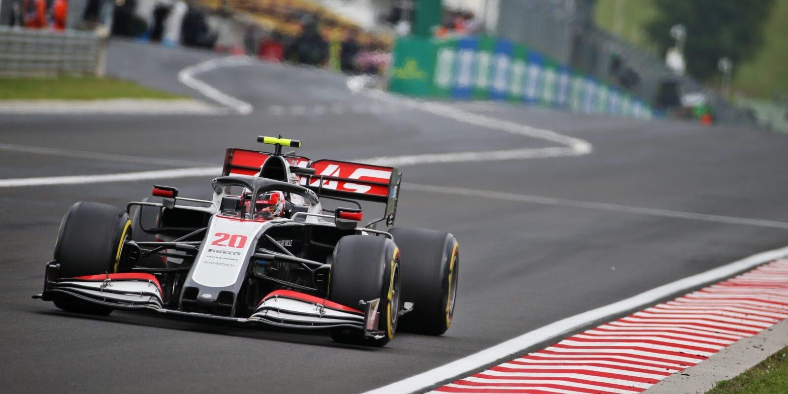 Haasy dostaly penalizaci, Magnussen o body nepřišel