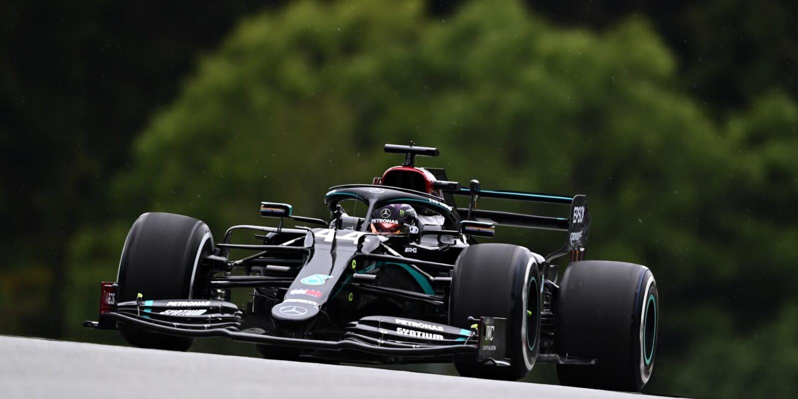 Hamiltonovi hrozila penalizace, zůstane však druhý