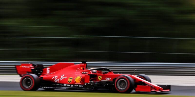 Jsme blíže ostatním, myslí si po kvalifikaci Vettel
