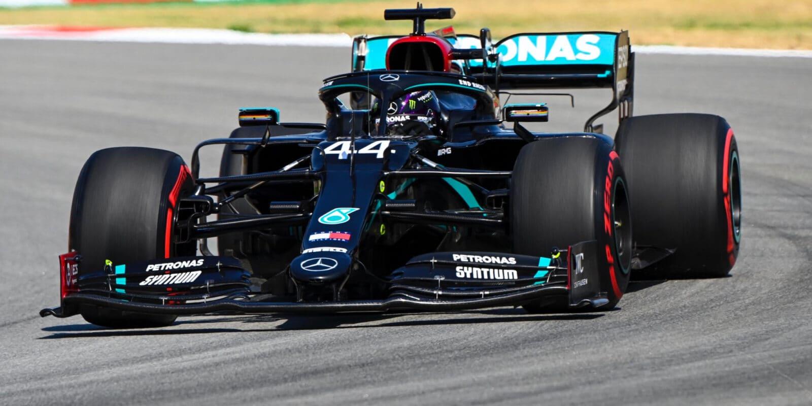 Kvalifikaci na VC Španělska vyhrál Lewis Hamilton