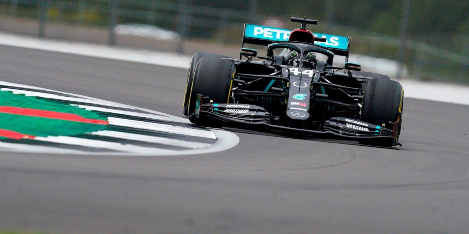 Mercedes nejrychlejší i odpoledne, Ricciardo třetí