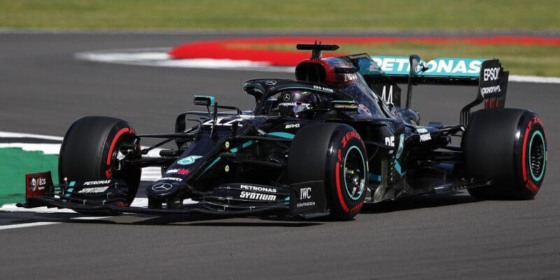 Hamilton zvítězil na třech kolech! Bottas mimo body