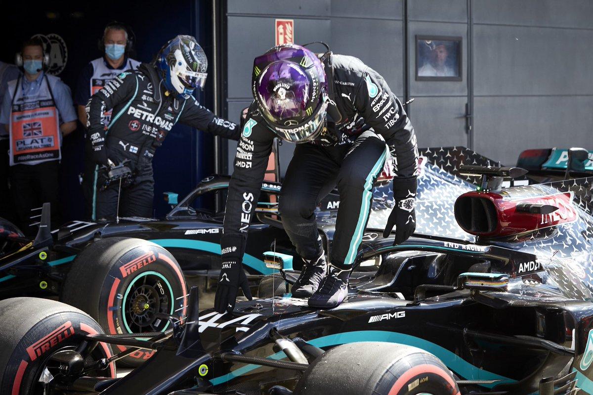 Hamilton nebyl spokojený, Bottas věří v příležitosti