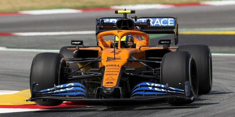 """Norris označil pneumatiky za """"odpad"""", Sainz se trápil s chlazením"""