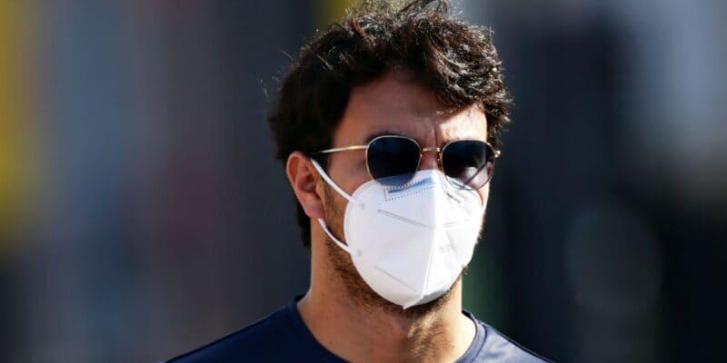 Fámy o Vettelovi a Astonu časem zmizí, myslí si Pérez