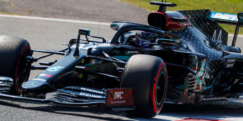 V Monze vyhrál kvalifikaci Hamilton, ostuda pro Ferrari