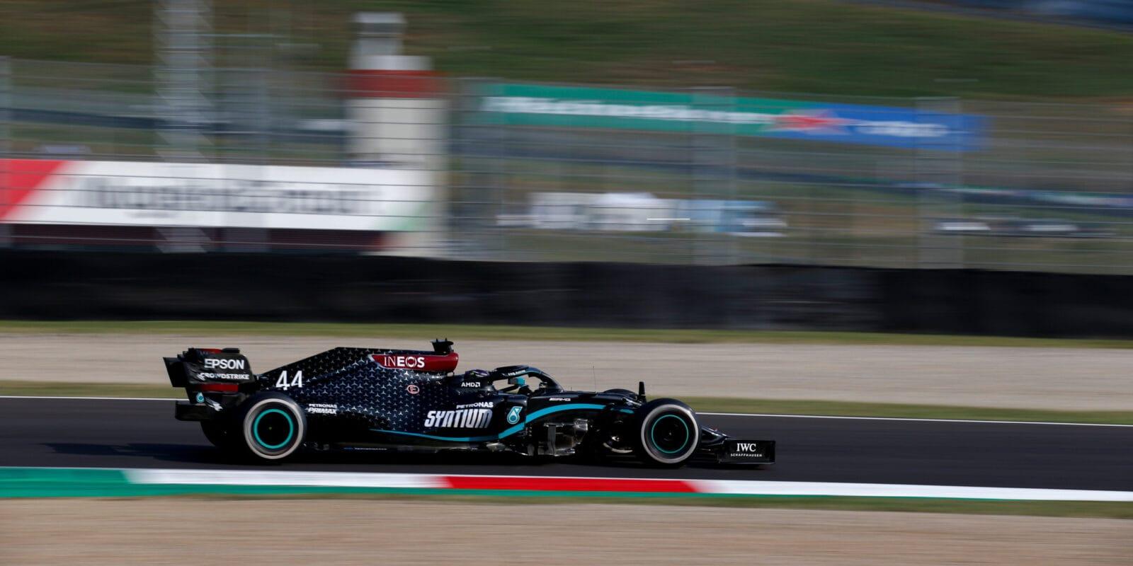 Kvalifikaci na VC Toskánska vyhrál Lewis Hamilton