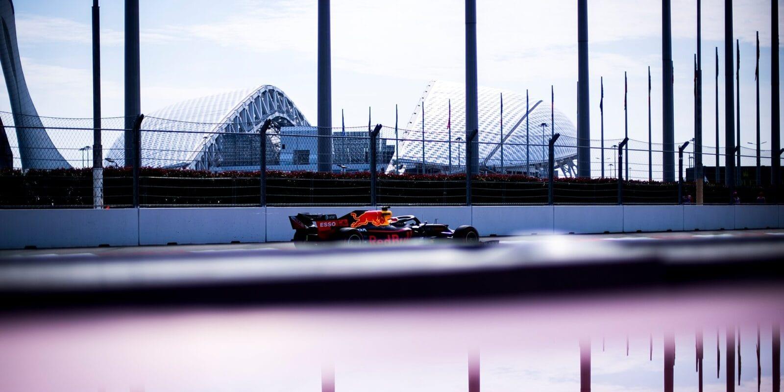 Honda po problému s Verstappenem provádí úpravy motoru
