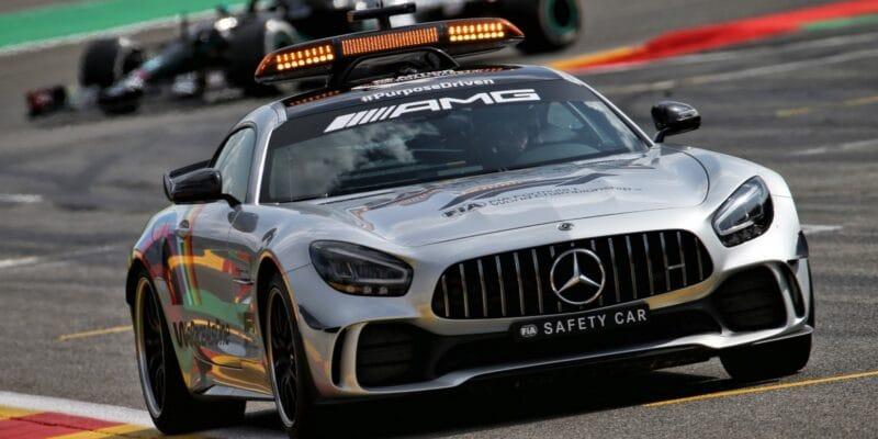 Safety car bude zahalen do červeného overalu