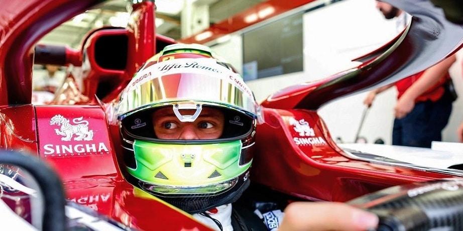 Potvrdené: Mick Schumacher bude testovať monopost F1