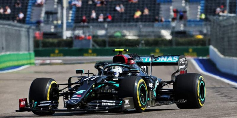 V Rusku zahájil víkend nejlépe Bottas, Sainz a Latifi bourali