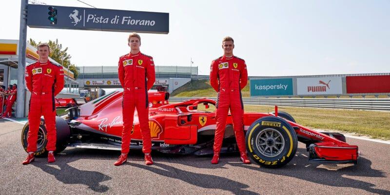 Jediná šance se naskytuje pro juniory Ferrari v Abú Zabí
