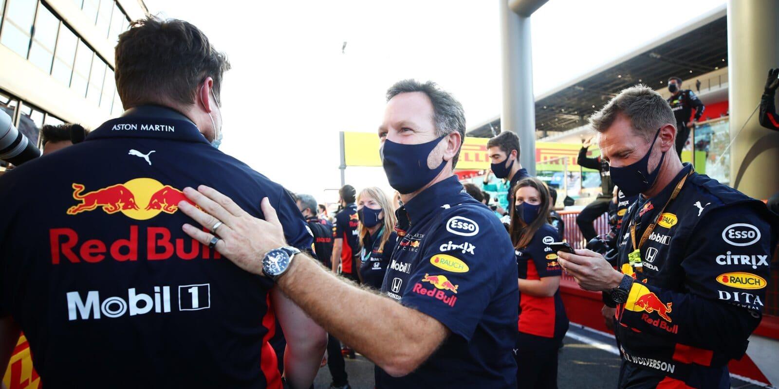 Horner: Žádná doložka o motoru ve Verstappenově smlouvě není
