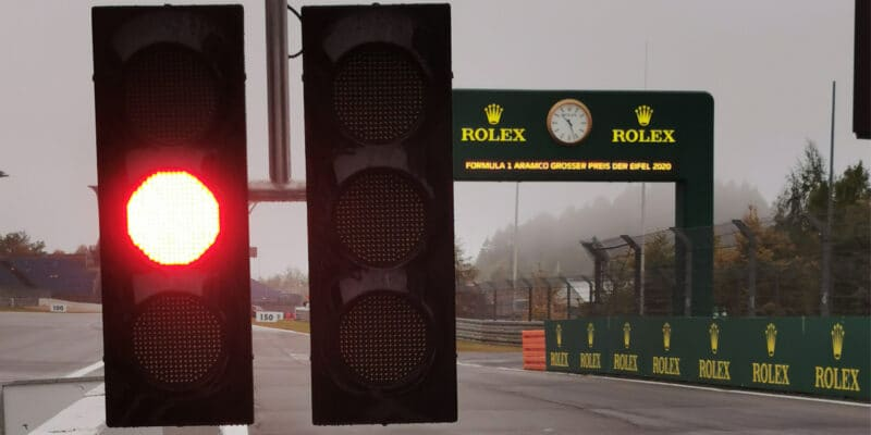 První trénink byl zrušený kvůli nepříznivému počasí