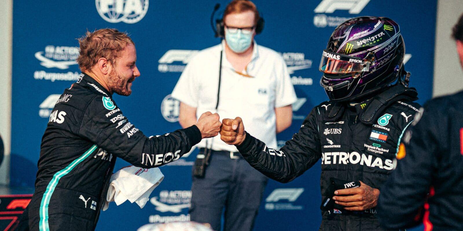 Bottas se třásl, Hamilton své kolo zpackal