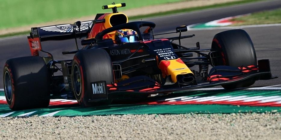 Red Bull predĺžil Albonovi ultimátum do Abú Zabí