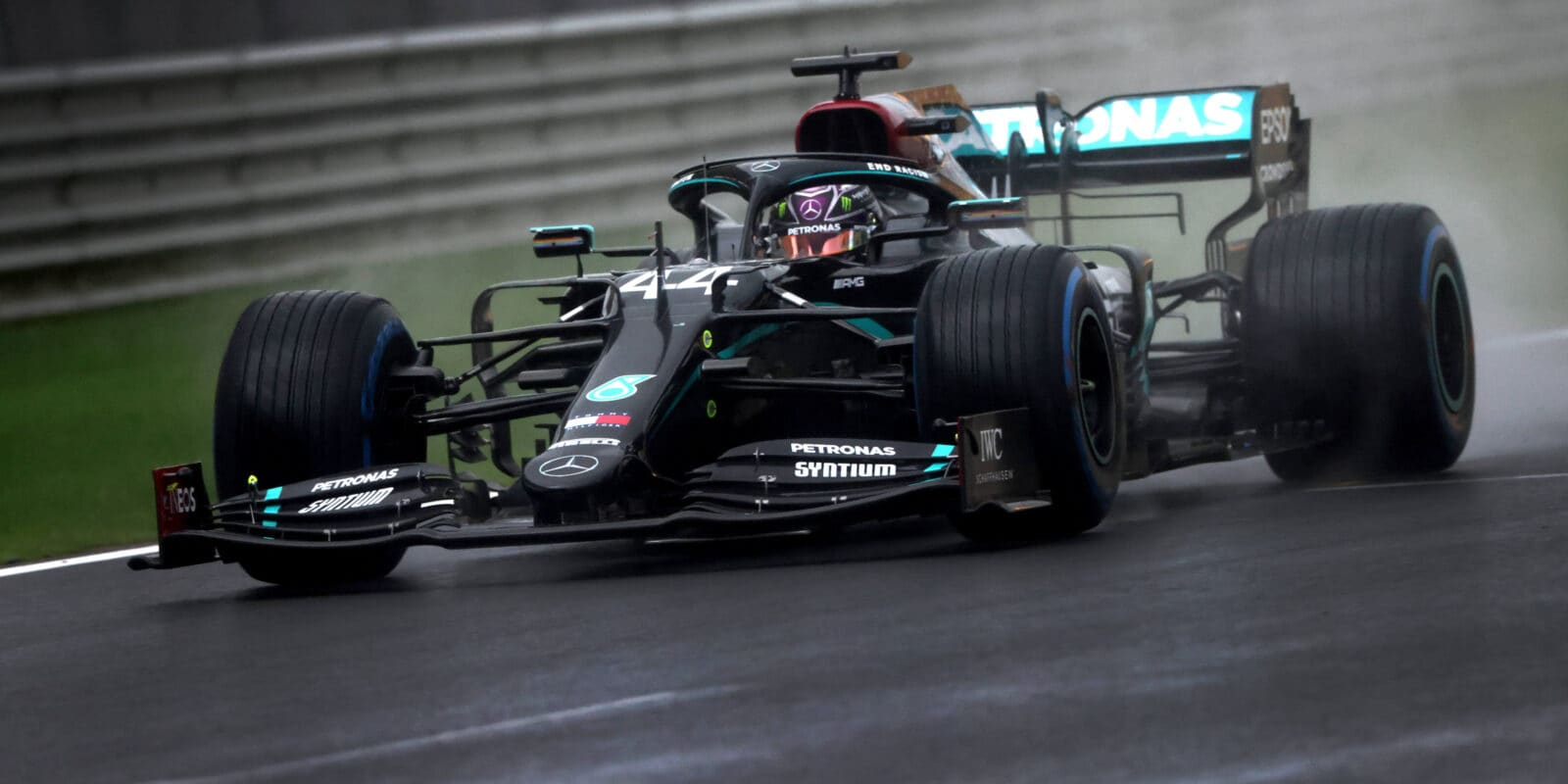 Chaotickou VC Turecka vyhrál Lewis Hamilton a získal titul