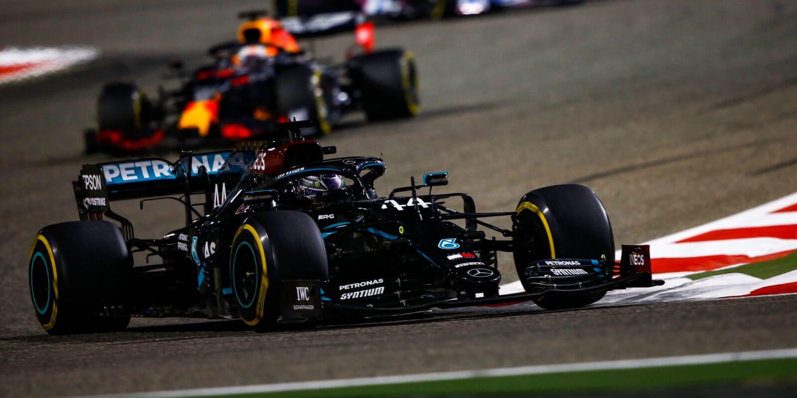 VC Bahrajnu vyhrál Hamilton, Grosjean se podruhé narodil