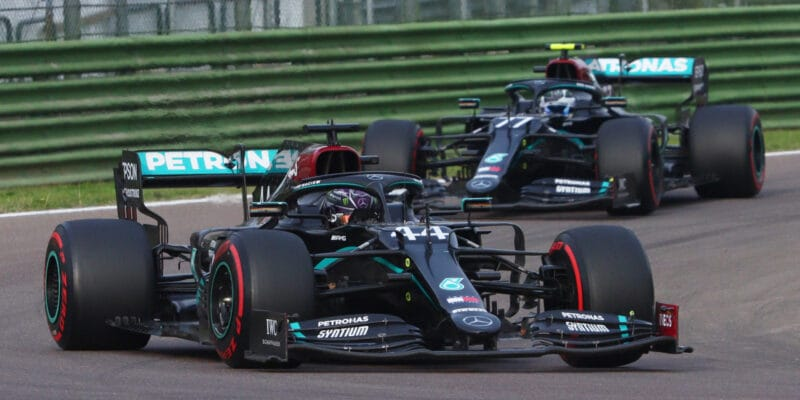 Mercedes si v Imole zajistil sedmý mistrovský titul
