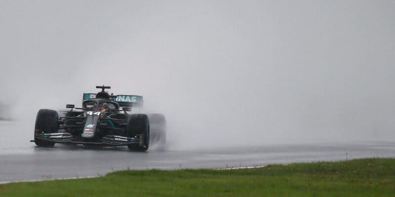Letos poprvé bez pole position. Hamilton šestý, Bottas devátý