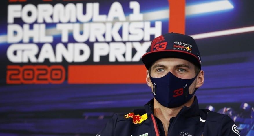 Max Verstappen unikol trestu za incident po zastávke v boxoch