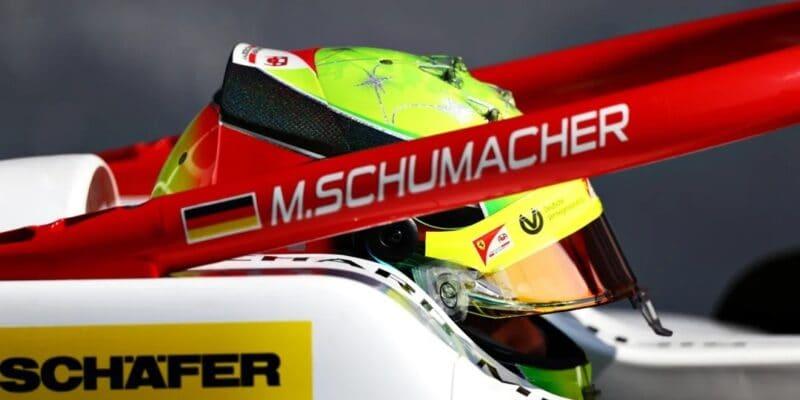Mick Schumacher: Súboj o titul je stále otvorený