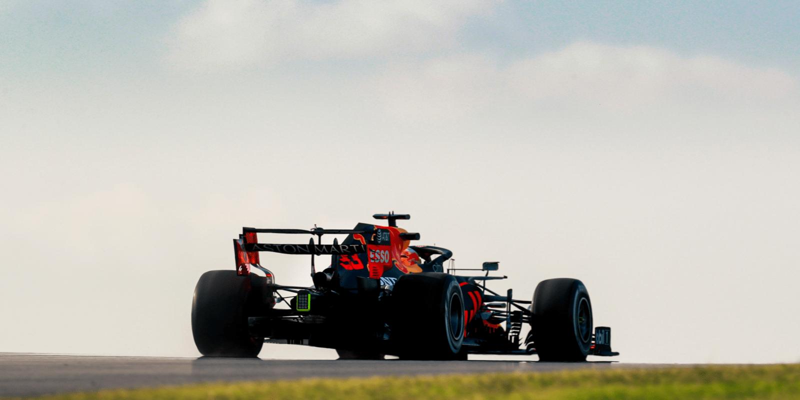 Poslední trénink v Turecku: Verstappen nejrychlejší, Mercedes se trápí