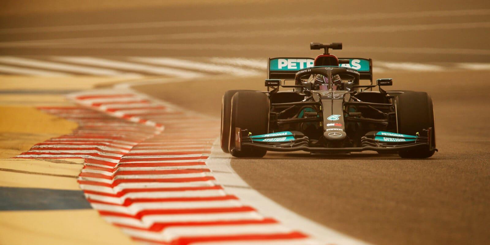 Mercedes: Problém s převodovkou přišel z ničeho nic